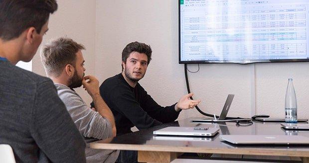 7leads-startup-gruenderstory-meeting