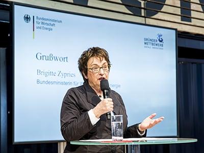 Brigitte-Zypries_Gruenderwettbewerb-Digitale-Innovationen_cebit-startups