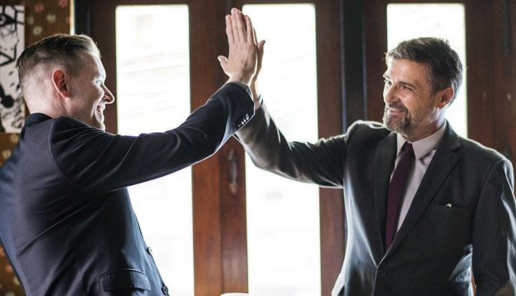 honorarverhandlungen-fuer-freelancer-und-selbststaendige-die-sechs-goldenen-regeln