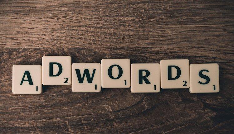 mehr-klicks-conversion-8-insider-tipps-zur-optimierung-der-google-adwords-anzeigen
