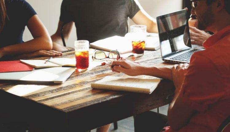 Beratung-arbeit-consulting-team_small