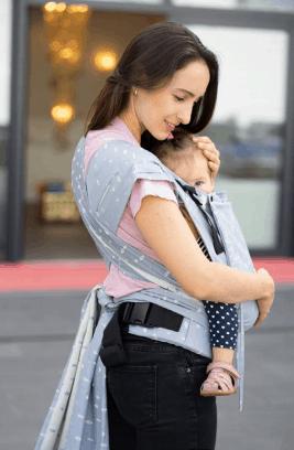 babytrager-frau1