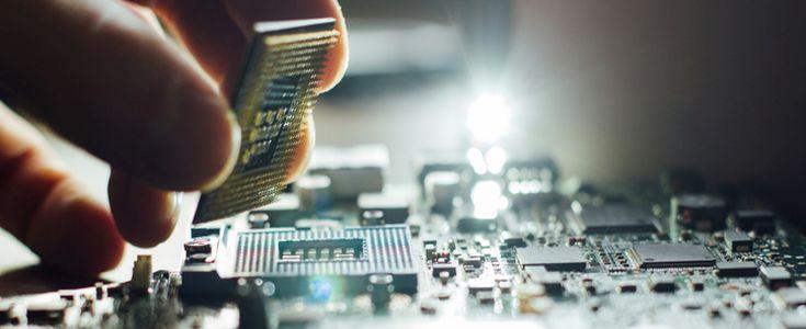 Installation of processor in CPU socket